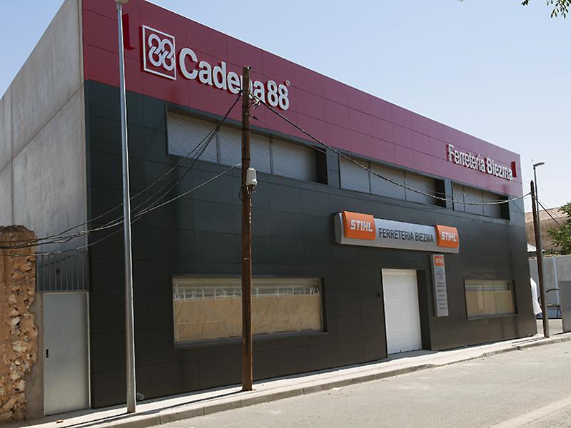 fachada ferretería13